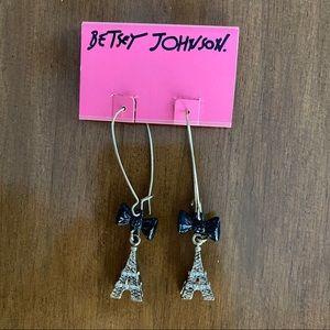 Betsey Johnson Gold Eiffel Tower Earrings